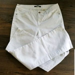 Elie Tahari White Jeans EMBROIDERED Distress 6 29